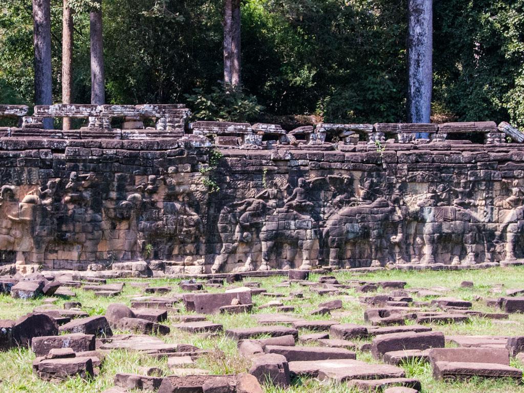 Battle with elephants along the Terrace of Elephants