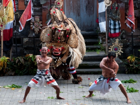 Followers of the Barong with kris daggers