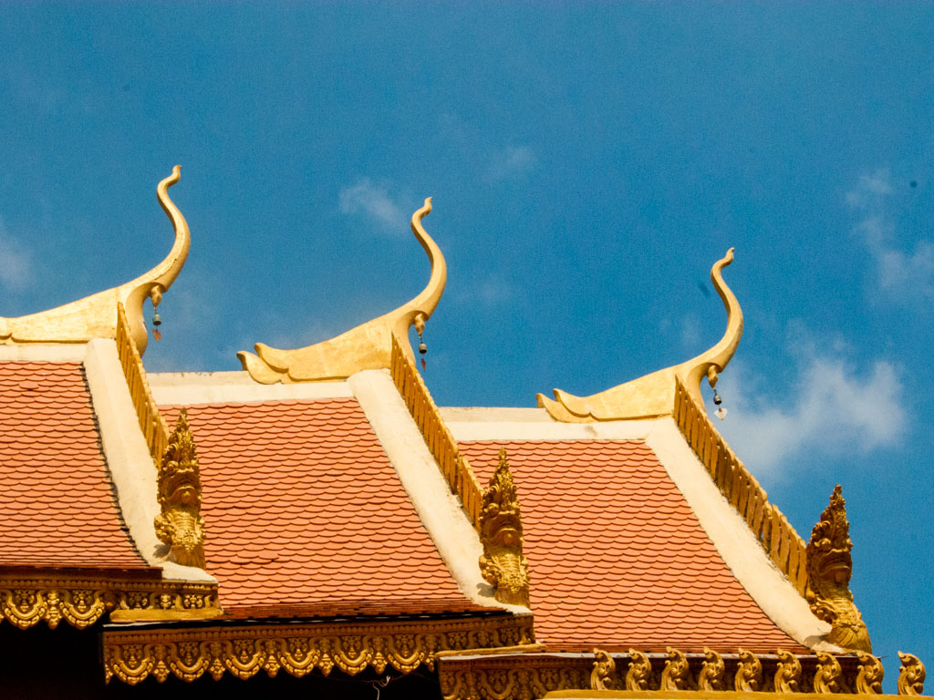 Fancy roof features of Wat Pipetharam