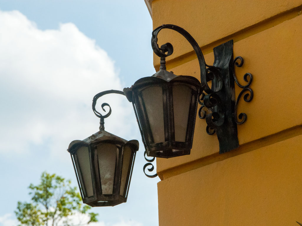 The French style lamps of Corner Building and Villa