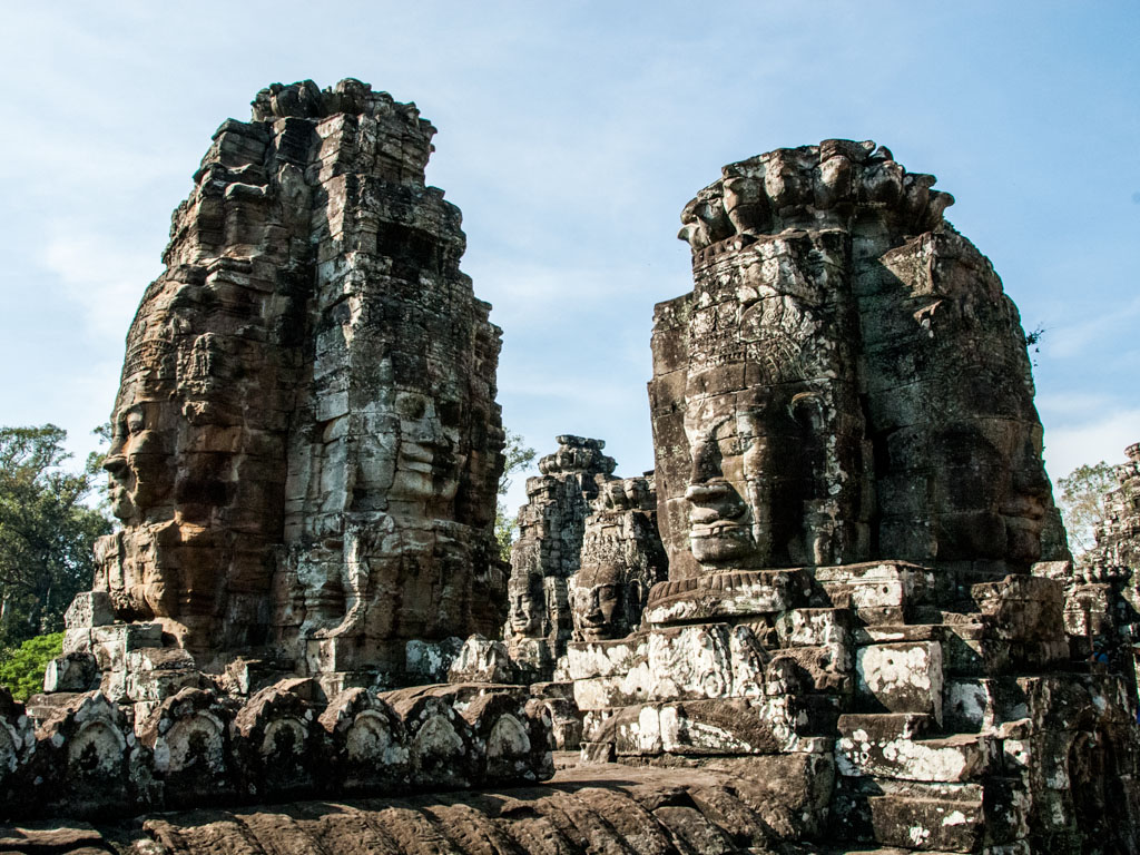 Protruding pillars of heads at Bayon temple