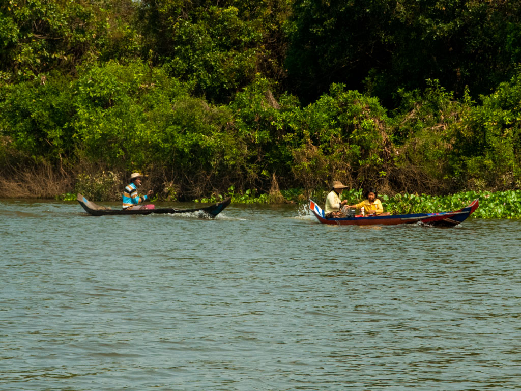 Boats on Stoeng Sangke river