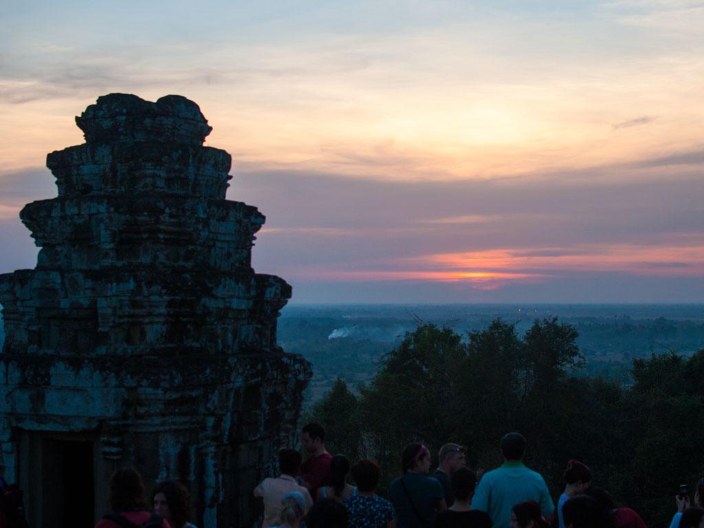 Sunset viewed from Phnom Bakheng hill