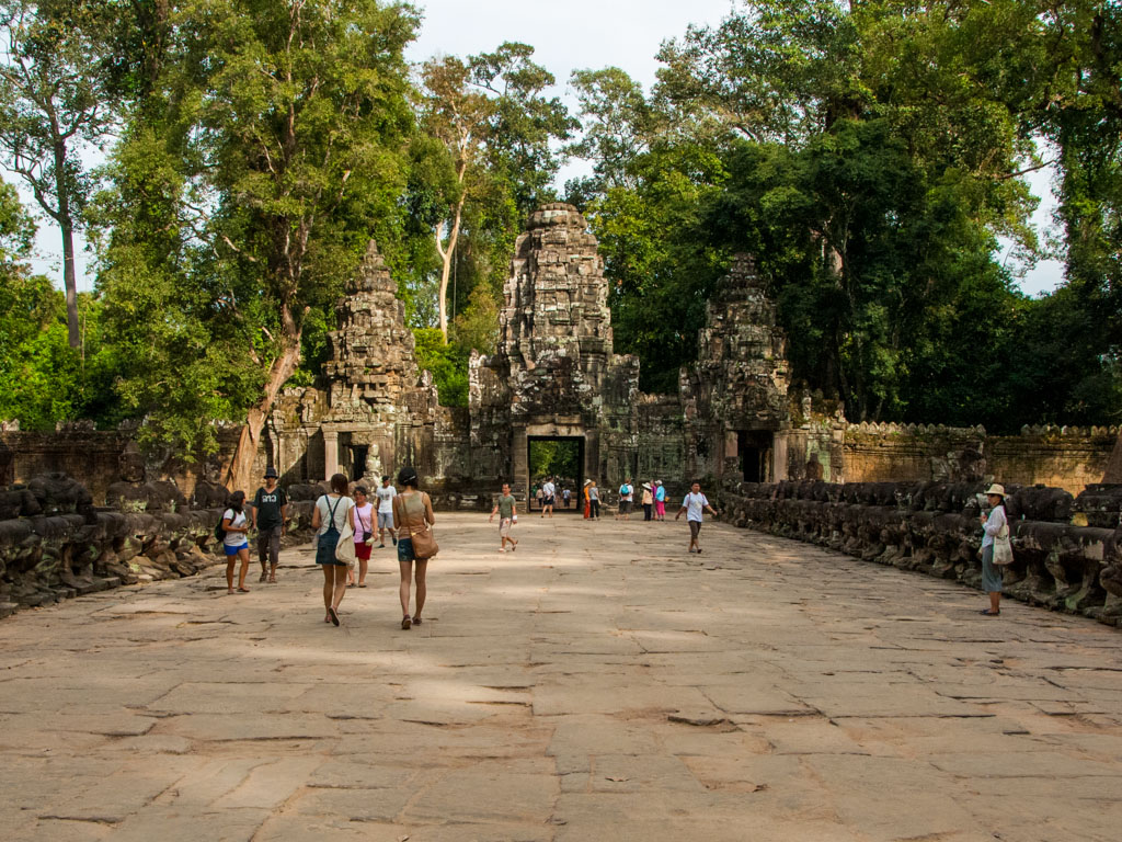 The wide causeway to Preah Khan Temple