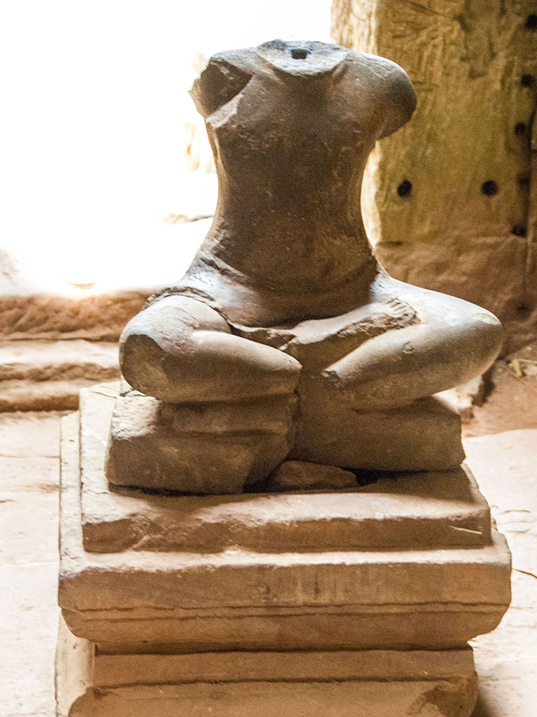 Remains of a sitting Buddha statue