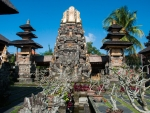 ubud-city-bali-indonesia-pura-saraswati-t-shrines-inside-saraswati-temple