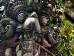 ubud-city-bali-indonesia-ubud-palace-f-close-up-of-a-mythical-created-carved-in-stone