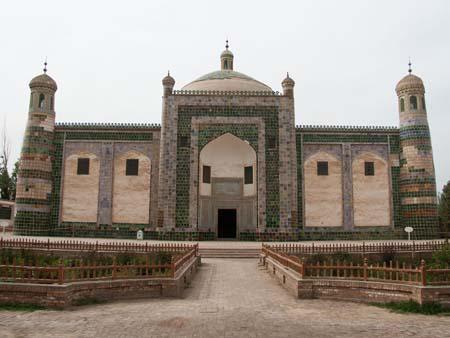 Afaq Khoja Mausoleum, the holiest Muslim site in Xinjiang