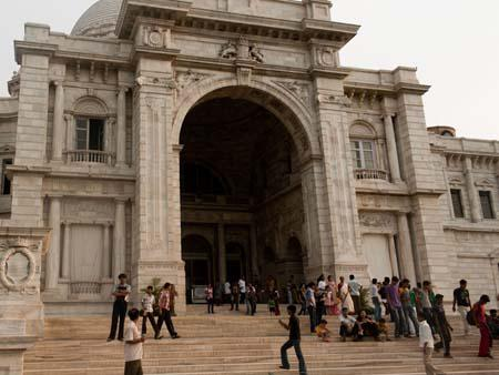 The main entrance of the Victoria Memorial