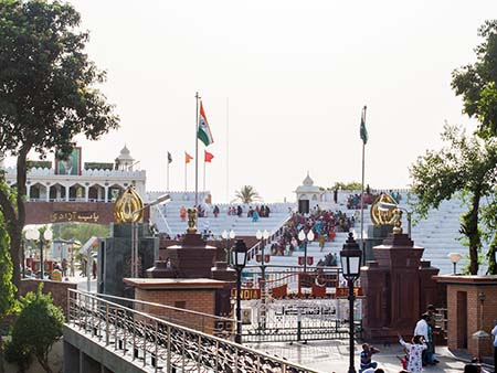 The India-Pakistan Wagah border