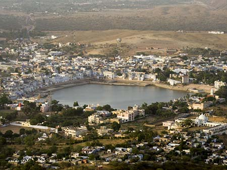 Pushkar surrounding Pushkar Lake