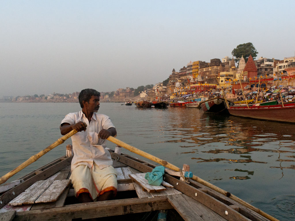 ganga river information in hindi The river ganga is considered to be the holiest river for hindus, many visit the assi ghat in varanasi to offer prayers.