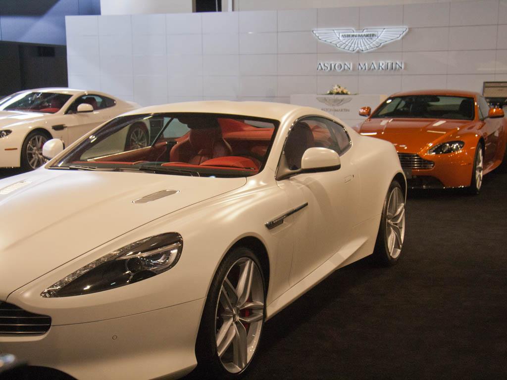Qatar Motor Show 2012 Sonya And Travis