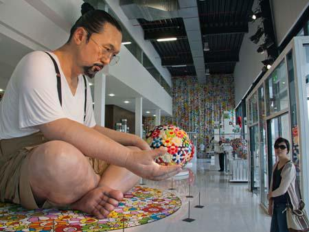 Six meter high Takashi Murakami