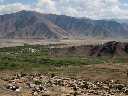 Views of Kyi-chu Valley and adjacent village