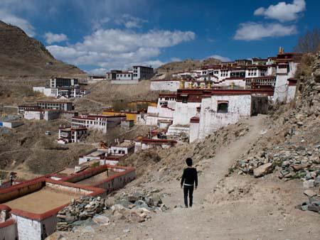 First view of the monastery from the Ganden Kora