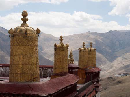 Golden ornaments on the monastery roofs